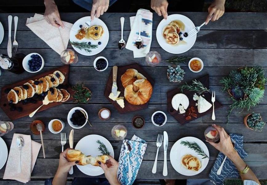 Уличный завтрак